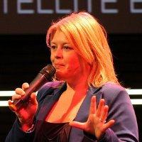 Annette Dölle about Edo van Santen