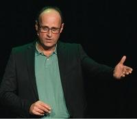 Edo van Santen, Pitcholoog: De Elevator Pitch en Presentatie Trainer (Public Speaking Camera Video TV Podium)